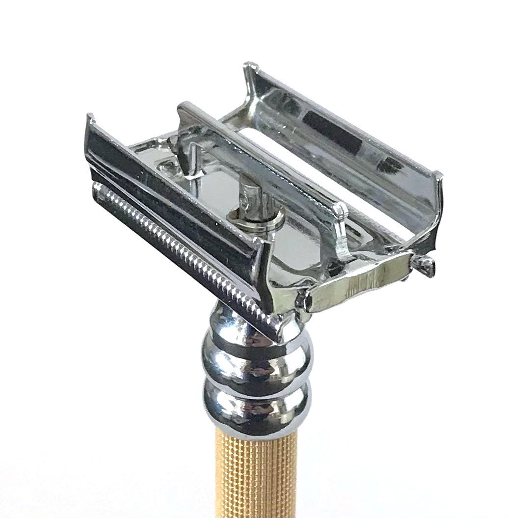 סכין גילוח של פעם בפתיחת פרפר TS12
