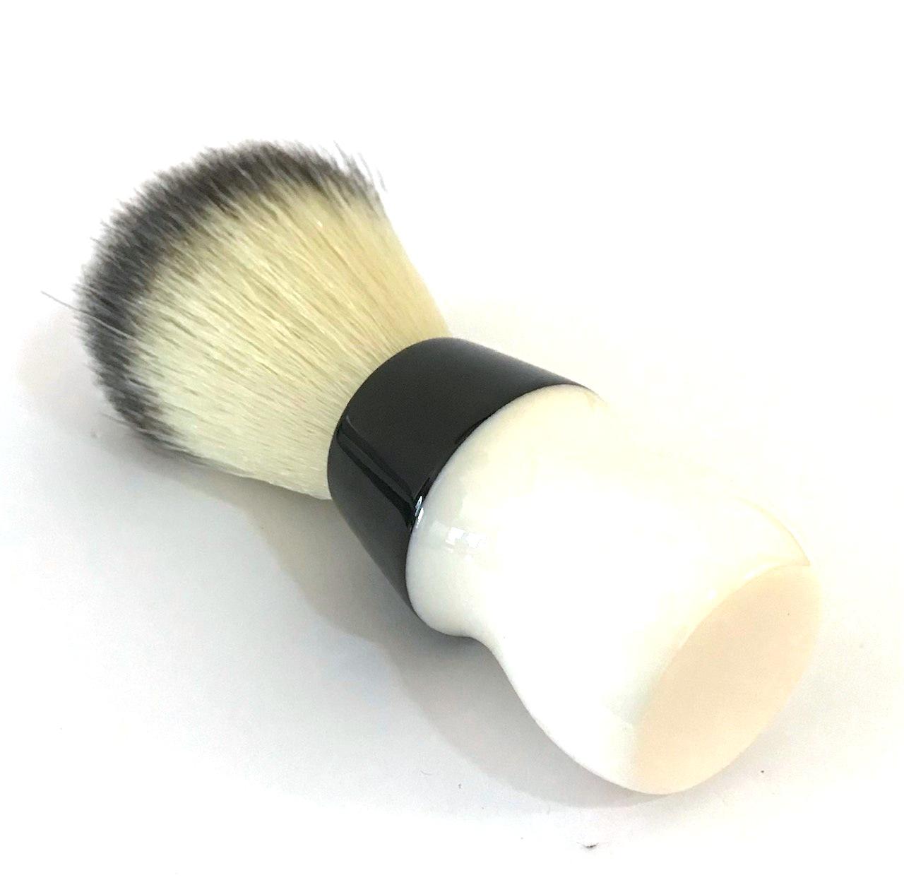 מברשת גילוח וינטג Explosive חלבית
