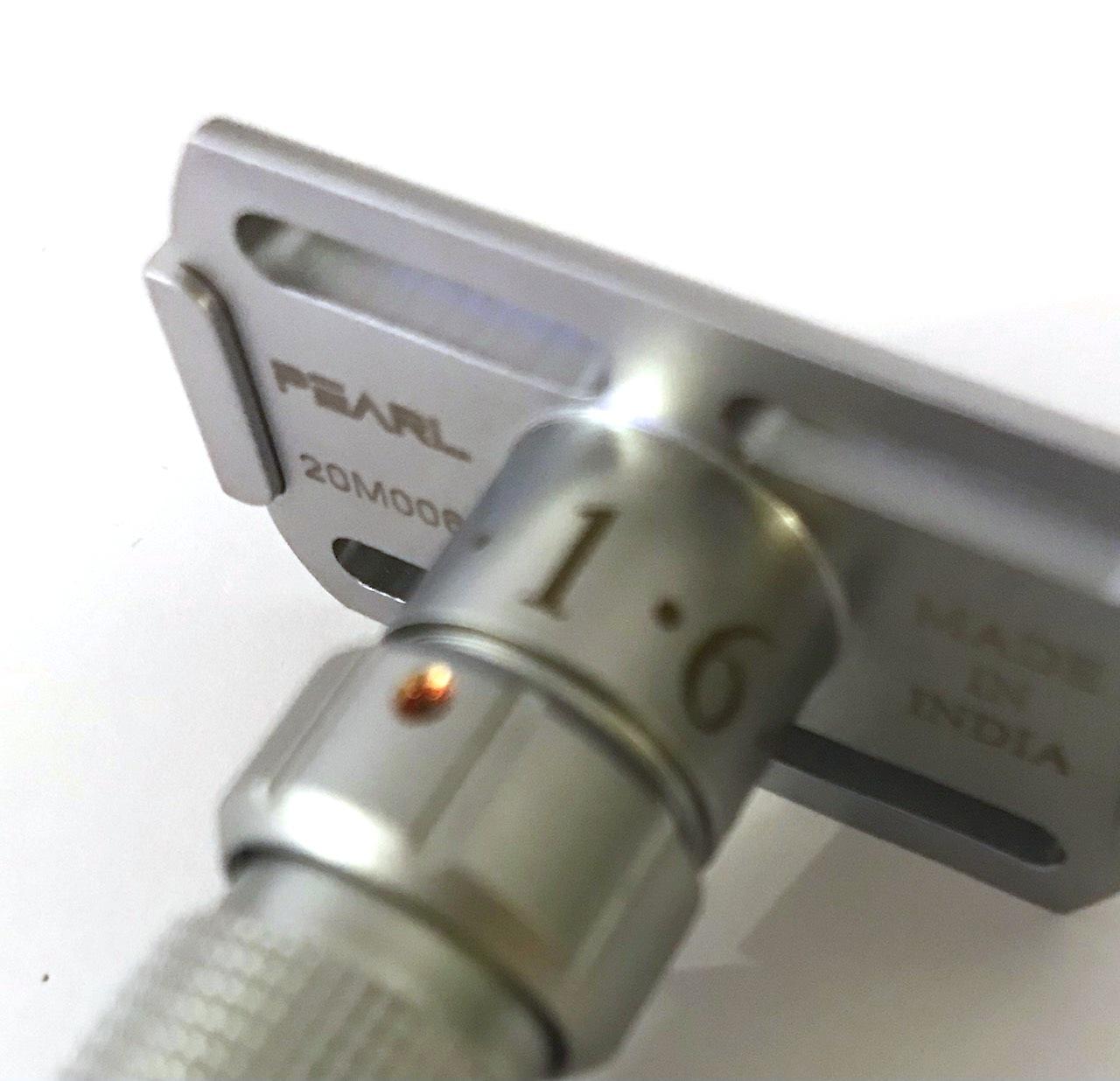 מכשיר גילוח מתכוונן מקצועי Pearl Flexi