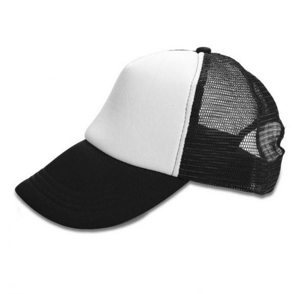 כובעים ממותגים