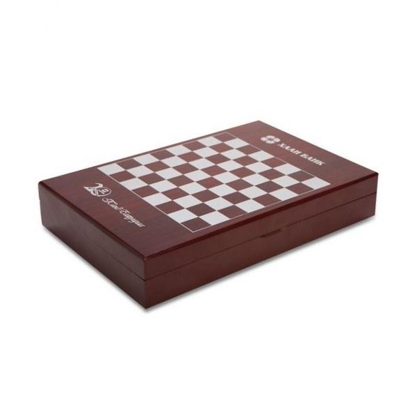 מארז אביזרי יין מעוצב עם משחק שחמט דגם שחמט