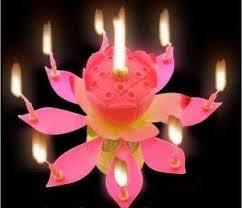 נר מנגן לעוגה - בצורת פרח לוטוס
