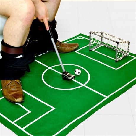משחק כדורגל לשירותים